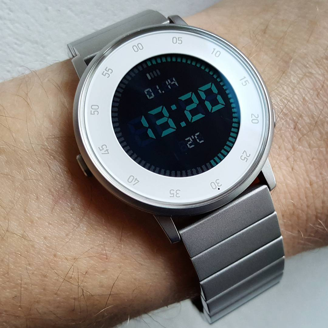 Digital Classic 2 - Pebble Watchface on Pebble Time Round