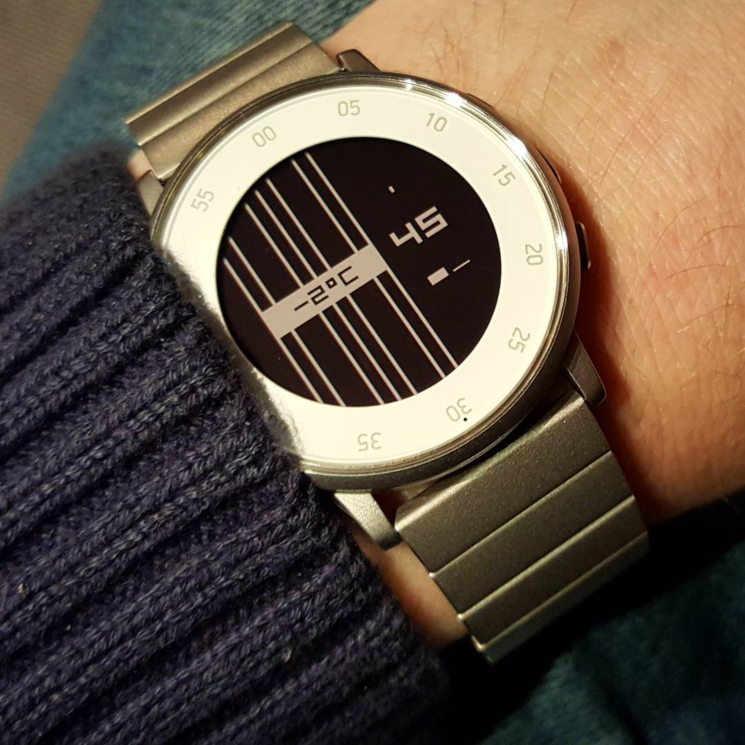 ttmmstrings - Pebble Watchface on Pebble Time Round