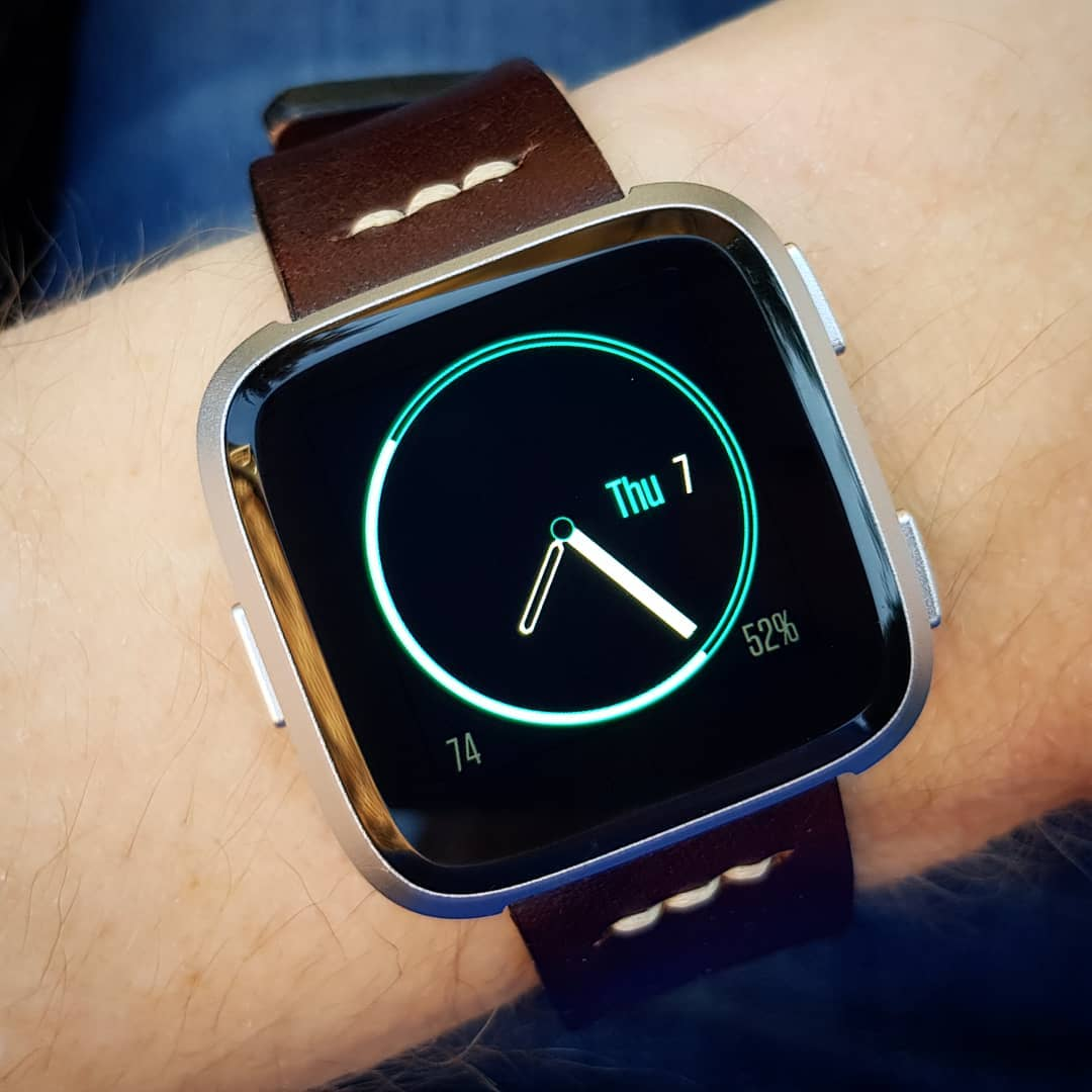 Neon Halo - Fitbit Clock Face on Fitbit Versa