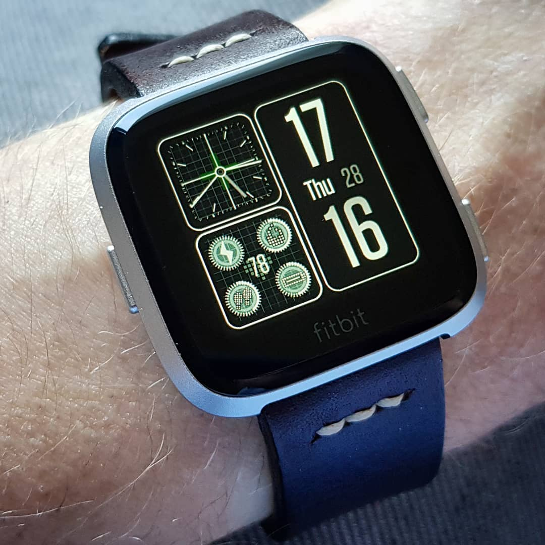 Commander - Fitbit Clock Face on Fitbit Versa