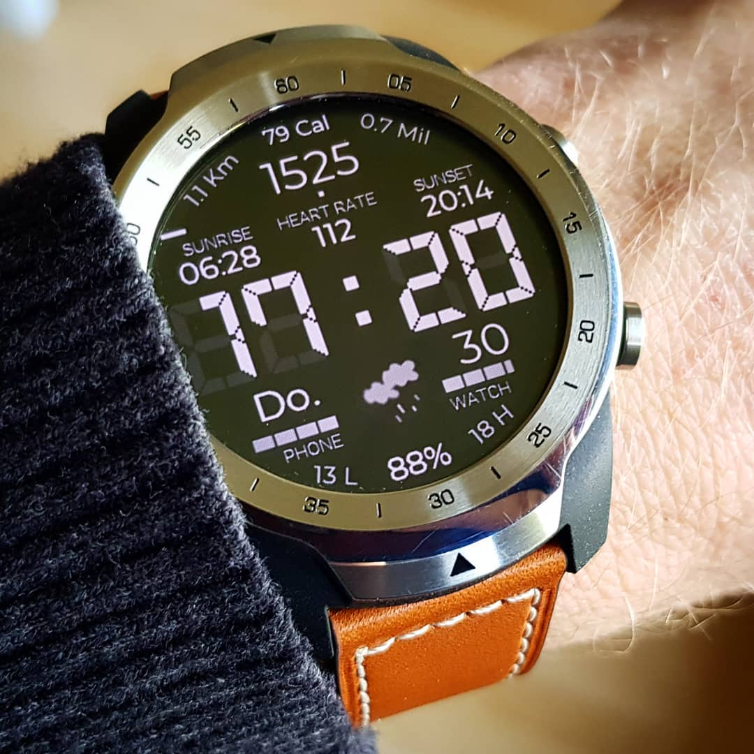digitONE - Wear OS Watchface on Mobvoi TicWatch Pro