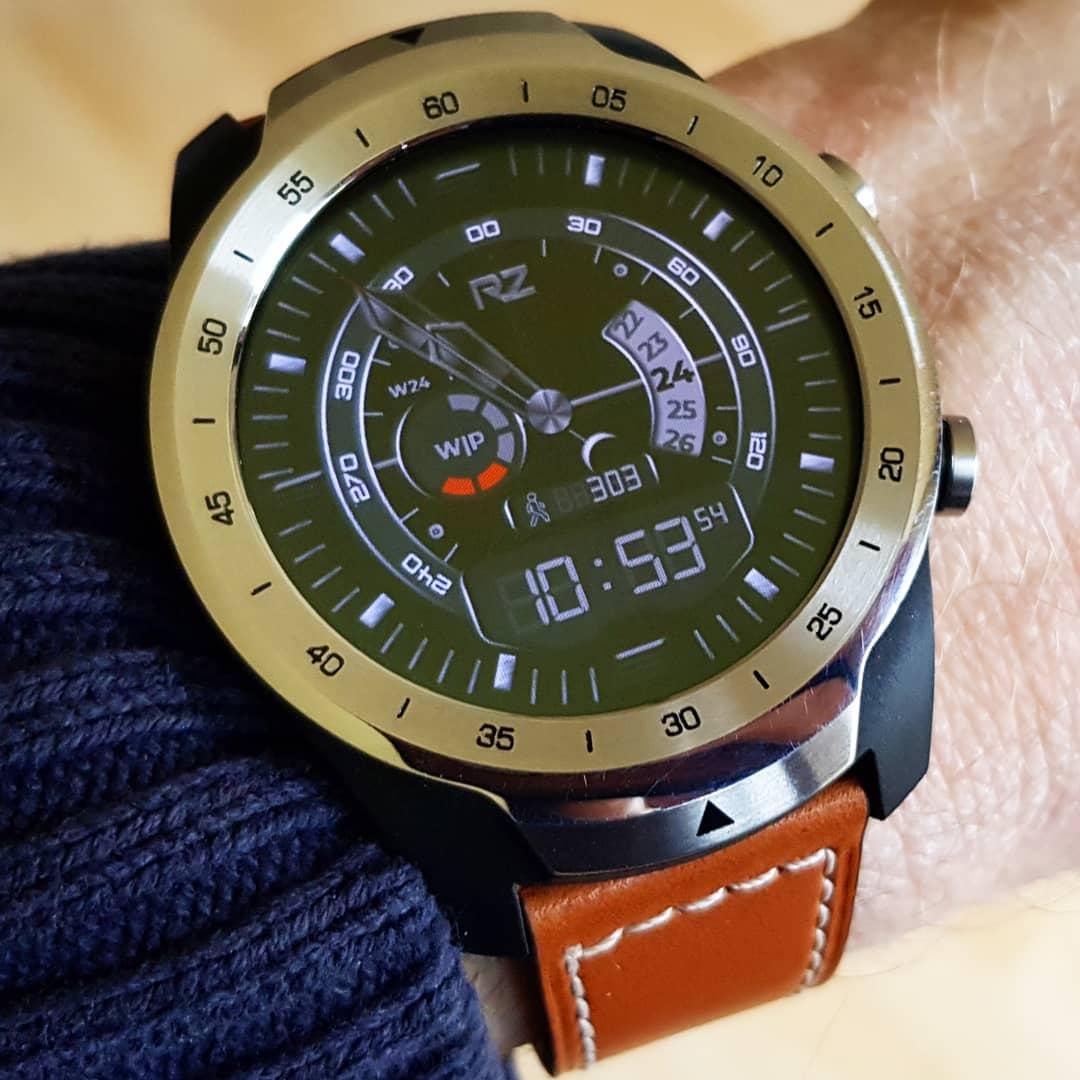 ONE - Wear OS Watchface on Mobvoi TicWatch Pro