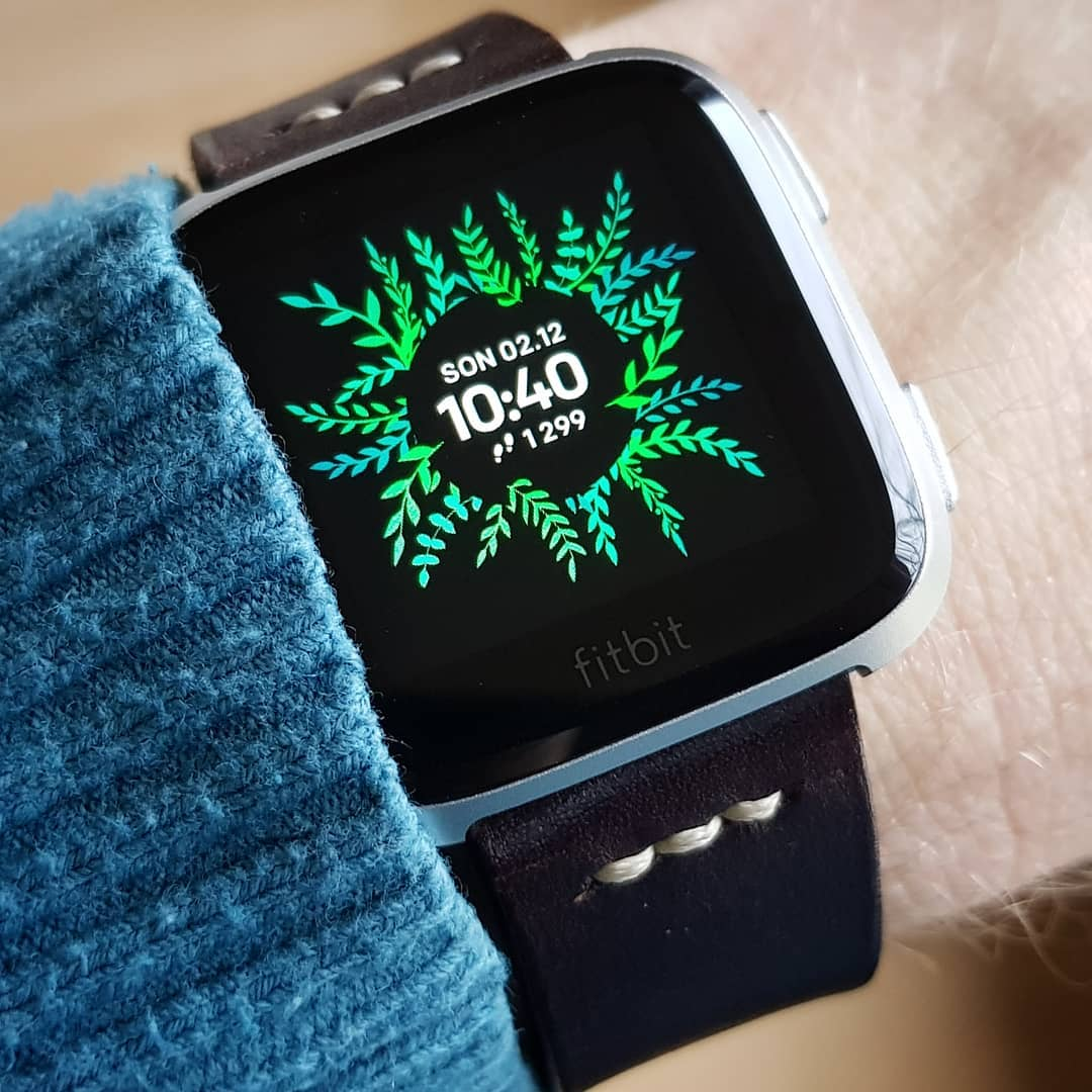 Leaves - Fitbit Clock Face on Fitbit Versa