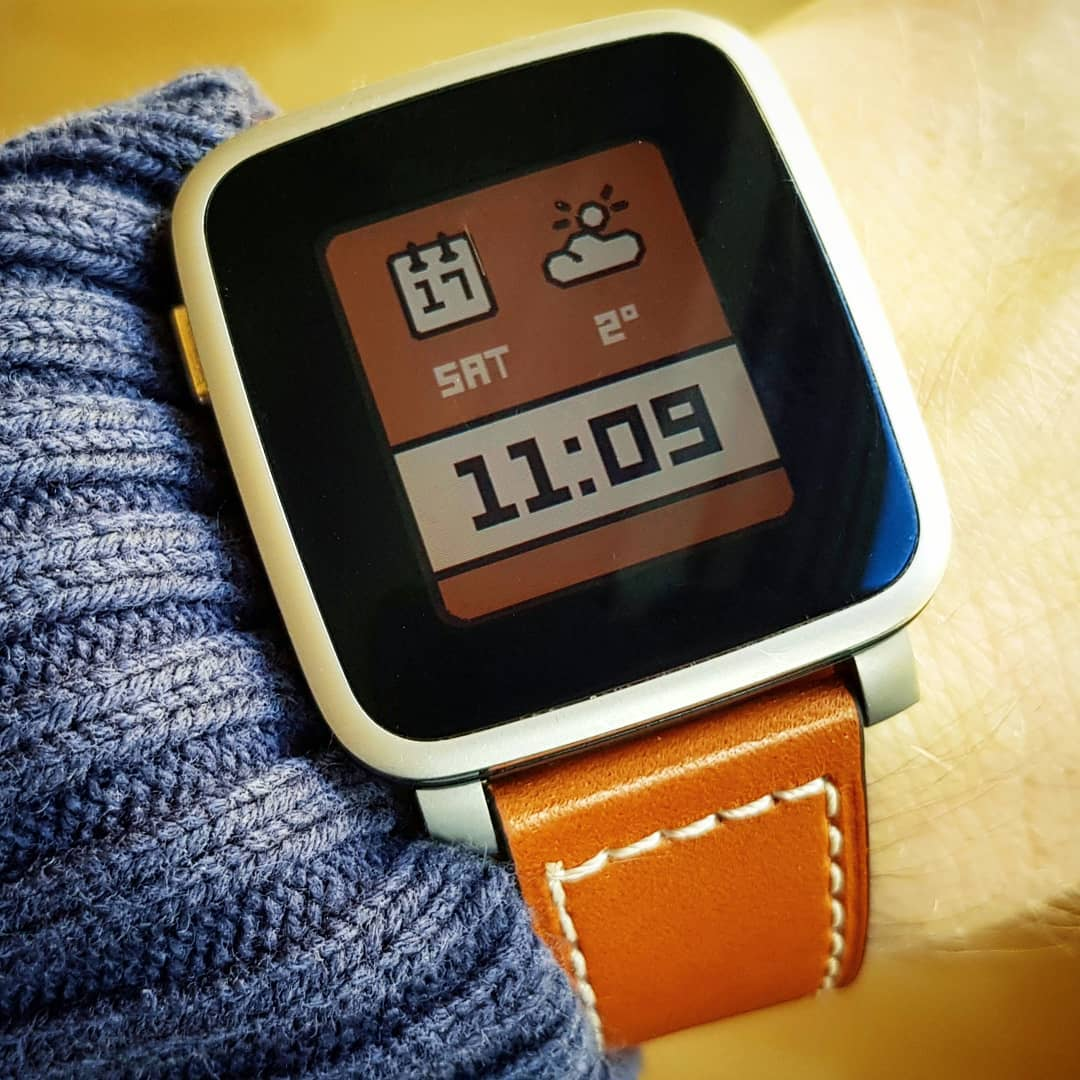 Essential - Pebble Watchface on Pebble Time Steel