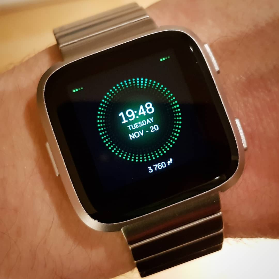 Dots - Fitbit Clock Face on Fitbit Versa