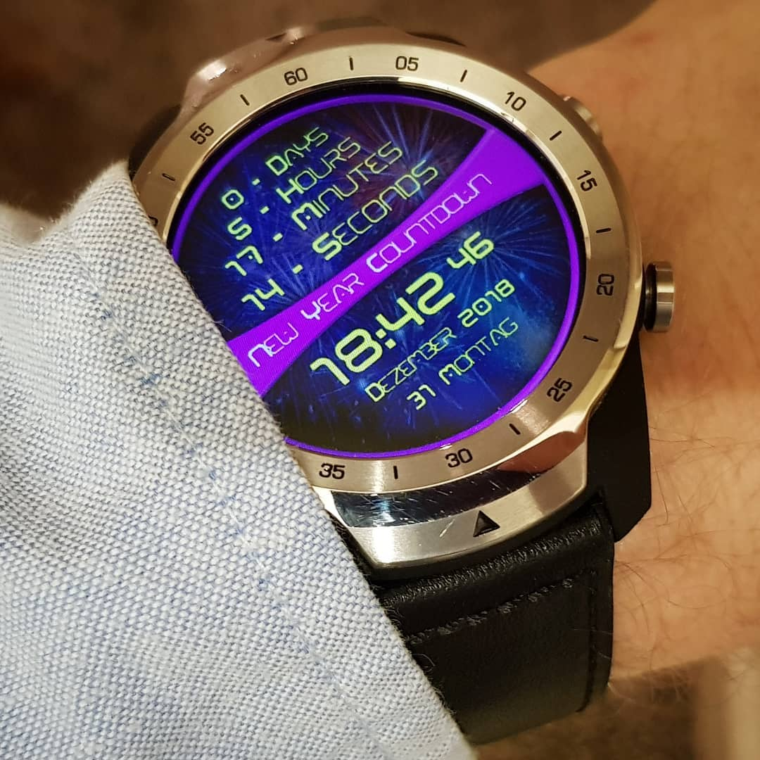 New Year Countdown - Wear OS Watchface on Mobvoi TicWatch Pro
