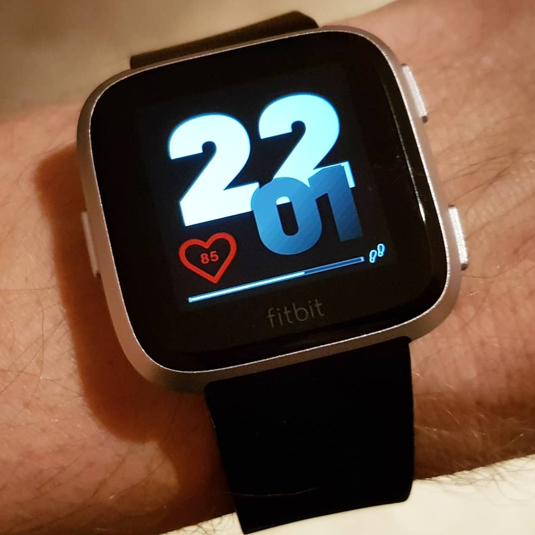 Basically - Fitbit Clock Face on Fitbit Versa