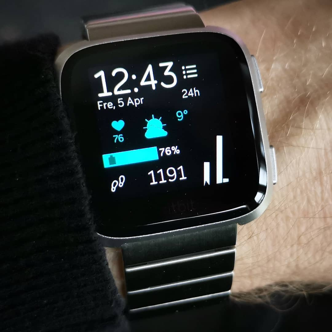 Angled - Fitbit Clock Face on Fitbit Versa